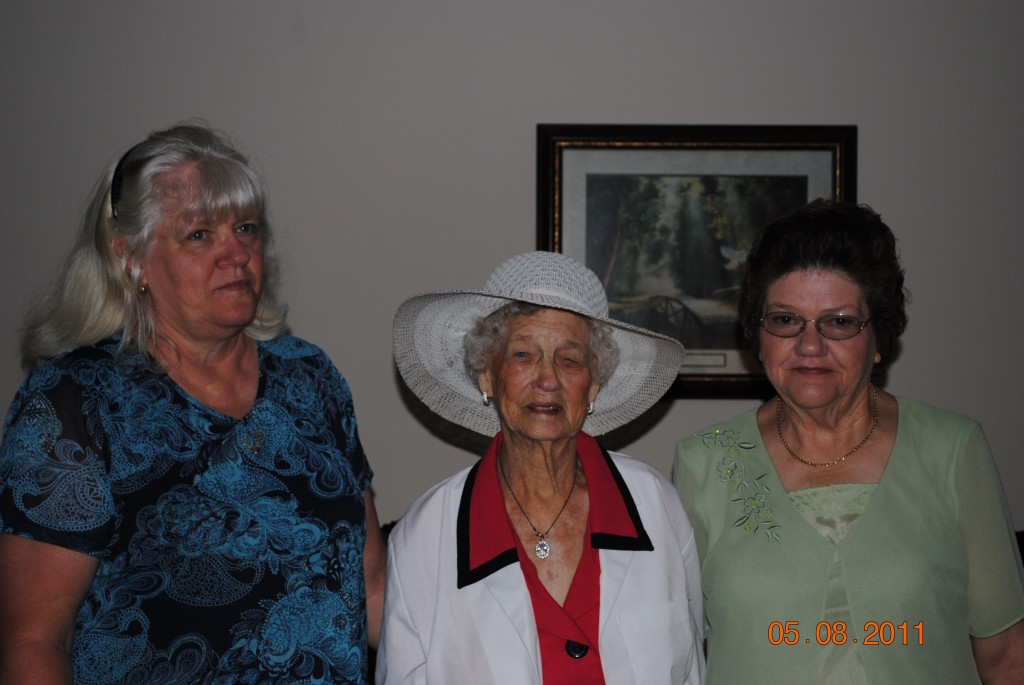 Susie,Mamaw and Evelyn