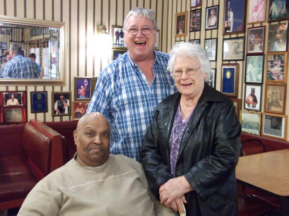 Jerry & mom Viola Jones